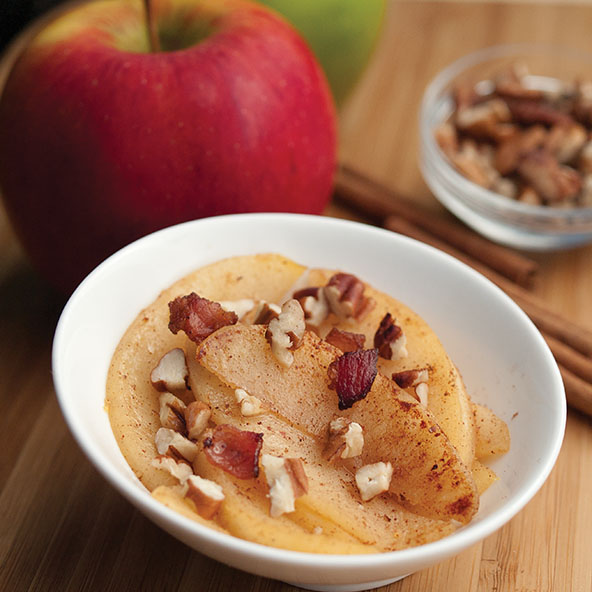 Paleo Fried Apples with Bacon and Pecans | meljoulwan.com